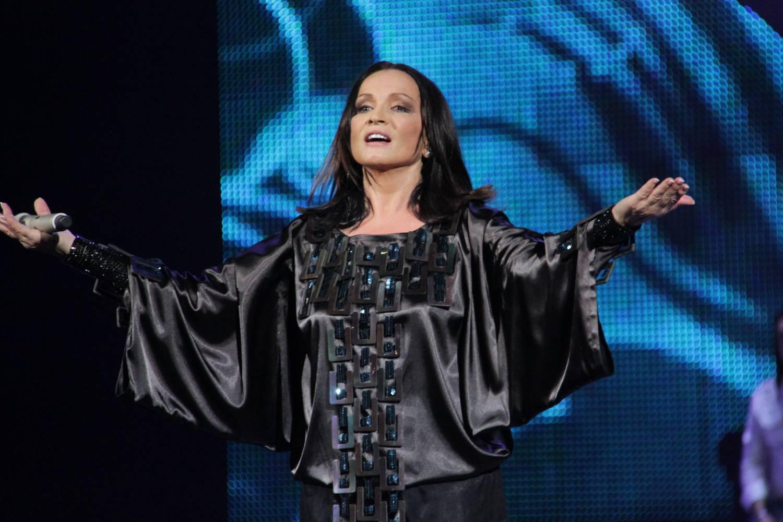 Популярная певица София Ротару охотно носит вышиванки украинского бренда