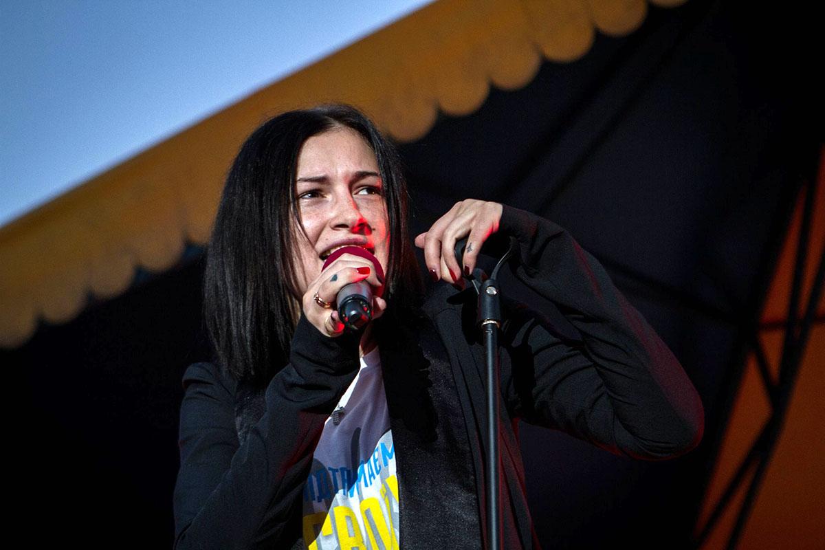 Украинская певица рассказала о поездке в горячие точки и отношениях с российскими коллегами