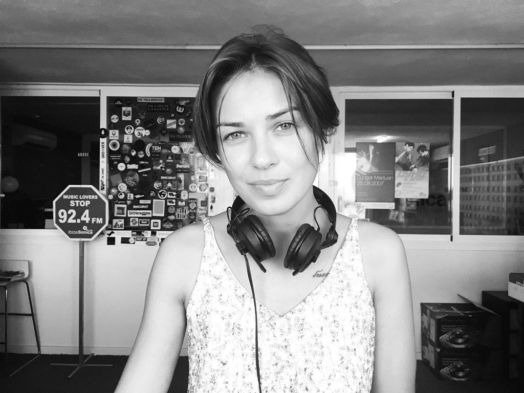 Можно спать спокойно: девушка Лещенко развелась смужем