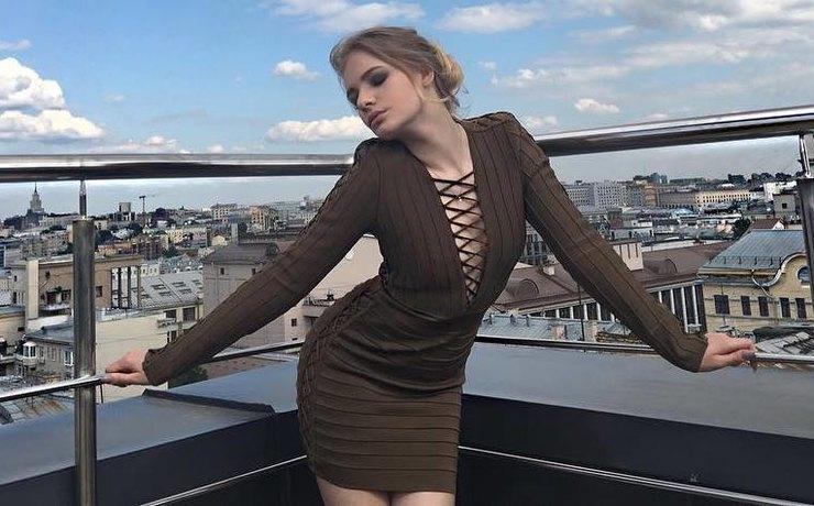 Лиза Пескова снова похвасталась в сети идеальной фигурой