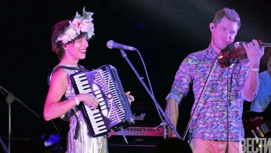 Наталия Тена спела на украинском фестивале
