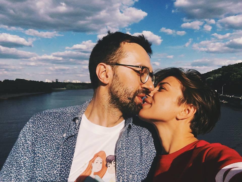 Романтический снимок Лещенко с Топольской вызвал ажиотаж в соцсети